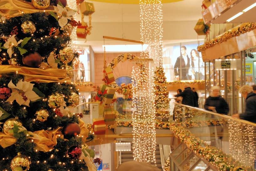 3397 4781 festlicher weihnachtsschmuck lichterglanz geschm ckter tannenbaum adventszeit in. Black Bedroom Furniture Sets. Home Design Ideas