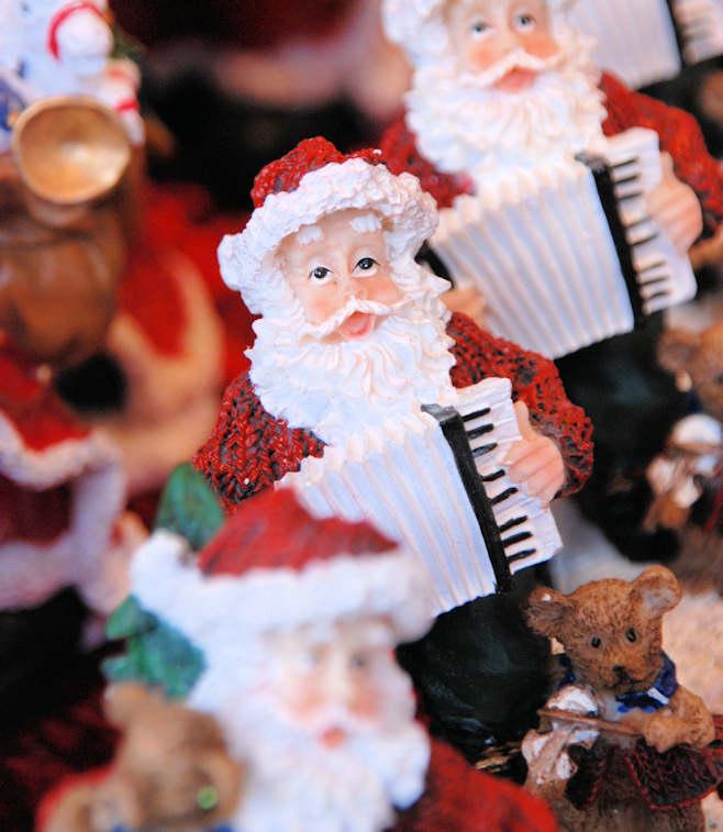 Suche Weihnachtsdeko.5889 4494 Angebot Weihnachtsmarkt Weihnachtsdeko Weihnachtsmänner