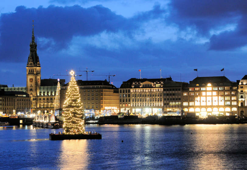 0175 1287 weihnachtsstimmung am abend in hamburg weihnachtsbaum auf der binnenalster. Black Bedroom Furniture Sets. Home Design Ideas