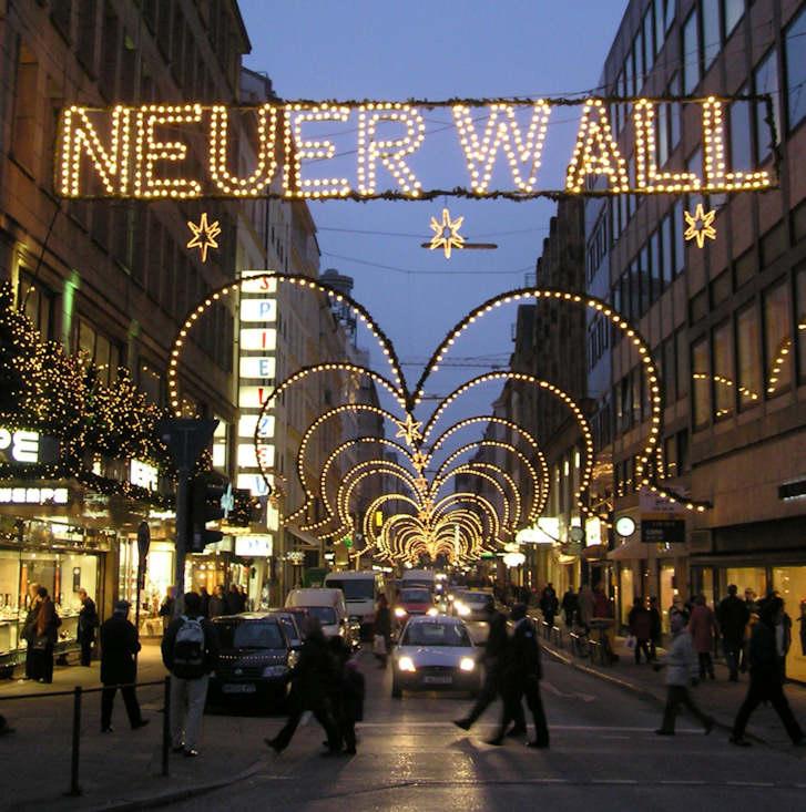 Hamburger Weihnachtsmarkt.2351 Pc020089 Weihnachtliches Hamburg Lichterbogen über Die