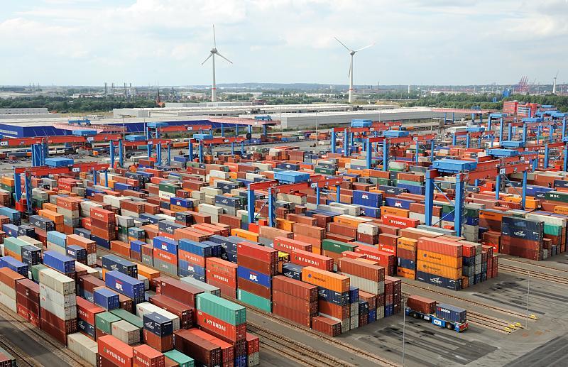 США отправили в Европу 417 контейнеров боеприпасов для войск НАТО - Цензор.НЕТ 568