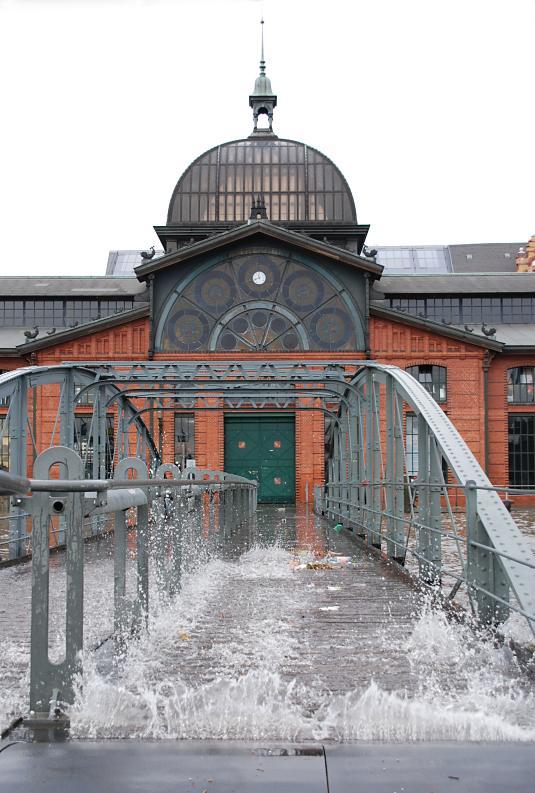 Treppe Hamburg 1515 1456 treppe an der fischauktionshalle unter wasser