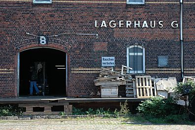 hamburg denkmal lagerhaus g kz aussenstelle auschwitz. Black Bedroom Furniture Sets. Home Design Ideas