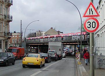 04_stresemannstrasse_verkehr.jpg